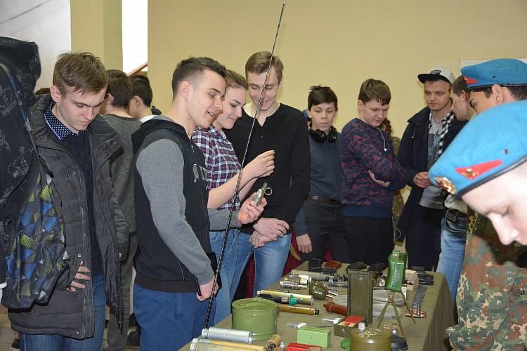 Выставка современного оружия и военной экипировки