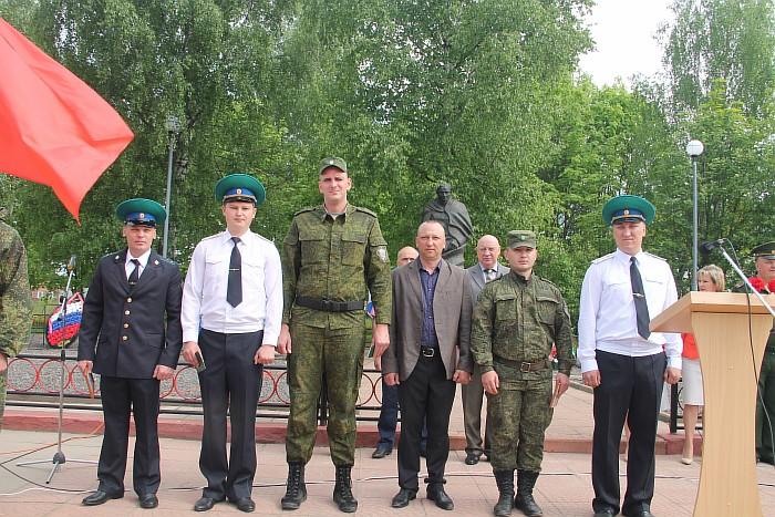 Resize of Сотрудники отделения пограничного управления, получившие служебные награды и благодарность от командования