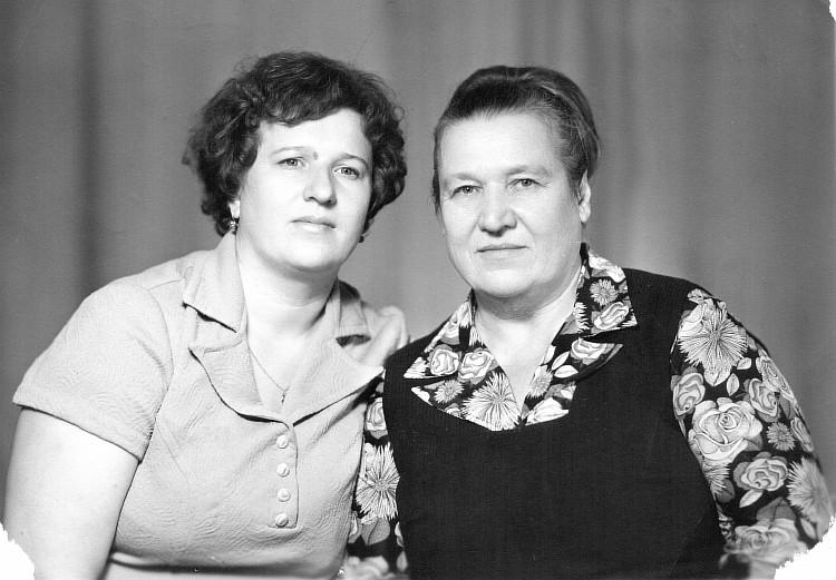 Resize of Хомякова Антонина Михайловна (справа)