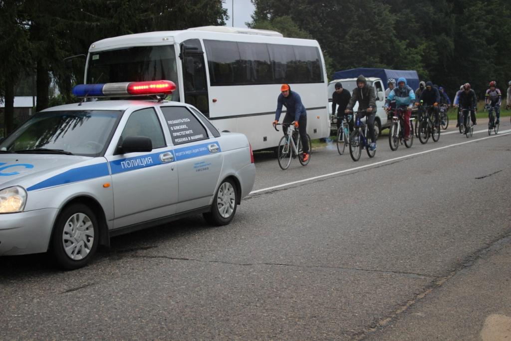 Велопробег прибыл в д. Соловьево